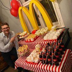 McDonald's Introduces Birthday Party Themes and We're Lovin' It! | #Themeparty #kidsbirthday #party #mlovingit #kidsbirthdaypartytheme #enjoy #birthdayparty Mcdonalds Birthday Party, Birthday Party Places, Birthday Party At Home, 21st Party, 21st Birthday Gifts, 12th Birthday, Super Mario Birthday, Safari Birthday Party, Mc Donald Party