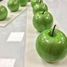 2,203 mentions J'aime, 32 commentaires – Yohann Caron (@yohann___caron) sur Instagram : «Pomme aneth à partir du 24 mars @cedricgrolet #pastry #apple #pomme #instagood #omg #patisserie…»
