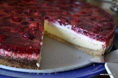 """Tradiční anglosaský """"tvarohový"""" moučník jsem dříve ochutnala již několikrát, ale nikdy se u mne nesetkal s velkým nadšením…. až do konce tohoto září, kdy jej přivezla na Monínec Martina…. ten... Celý článek Unique Desserts, Sweet Desserts, Sweet Recipes, Cheesecake Recipes, Dessert Recipes, Czech Recipes, Pie Cake, Sweet Tarts, Cakes And More"""
