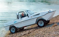 Tim Dutton is the doyen of British amphibious car constructors. His Commander has adapated Suzuki four-wheel drive for true go-anywhere capability. One even crossed the English Channel in Force 4 winds.