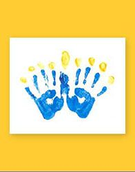 Chanukah Handprint Menorah - not Jewish, but CUTEST Hannukah craft I've seen - and I taught Preschool for a looong time!