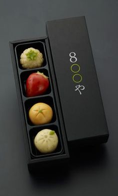Consist of Sweet potato, carrot, edamame (young soybeans) and pumpkin. Consist of Sweet potato, carrot, edamame (young soybeans) and pumpkin. Dessert Packaging, Cool Packaging, Food Packaging Design, Brand Packaging, Bakery Packaging, Edamame, Food Design, Desserts Japonais, Japanese Packaging