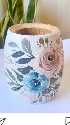 Painted Clay Pots, Painted Flower Pots, Hand Painted Ceramics, Flower Pot Art, Clay Pot Crafts, Rock Painting Designs, Painting On Wood, Christmas Crafts, Pottery