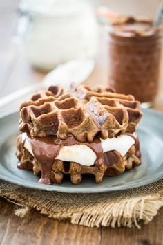 S'mores and Waffles are about to happen in your mouth AT THE SAME TIME! S'mores Waffles with Sugar-Free Marshmallow Fluff! Vegan Treats, Vegan Foods, Vegan Desserts, Dessert Recipes, Vegan Breakfast Recipes, Delicious Vegan Recipes, Yummy Food, International Waffle Day, Waffle Sandwich
