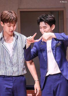 OLD COUPLE TRY JEOJANG (Wanna One Jihoon's famous gesture)  #showki #shownu #kihyun #kpop #pairing #yaoi #otp #monstax #music