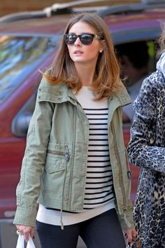 Olivia Palermo Photos - Socialite Olivia Palermo is spotted out and about with her mother Lynn Hutchings in NYC. - Olivia Palermo at Lunch with Her Mom in NYC Casual Chic Style, Preppy Style, Her Style, Olivia Palermo Hair, Olivia Palermo Style, Stylish Winter Coats, Preppy Mode, Honeymoon Style, Look Street Style