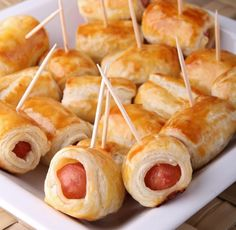 Feuilletés apéritif (allumettes au fromage, feuilletés à la saucisse) - Tea Recipes, Snack Recipes, Cooking Recipes, Fingers Food, Party Snacks, Food Inspiration, Kids Meals, Love Food, Appetizer Recipes