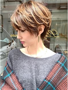 Messy Pixie Haircut, Short Choppy Hair, Asian Short Hair, Short Grey Hair, Short Hair With Layers, Asian Hair, Short Bob Hairstyles, Pretty Hairstyles, Short Hair Cuts