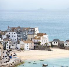 We visited a light-filled early-Victorian cottage in Cornwall and this was the view from the front door - the beautiful St Ives and the sea… St Ives Cornwall, Devon And Cornwall, Falmouth Cornwall, Cornwall Beaches, Cornwall Coast, Country Living Uk, Cornwall Cottages, Place To Shoot, Seaside Towns