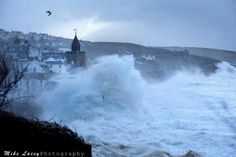 Boom,mother nature givibg it some at porthleven