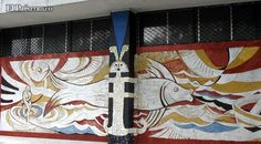 Ubicación: Bellas Artes / Autor: Mónica Corrales  Este mural expresa la interpretación que la artista argentina hizo de la tradición precolombina por medio de la narración de una historia mitológica criolla. Usando la técnica del esgrafiado en mosaico hizo un maravilloso aporte en lo que el manejo de texturas se refiere.