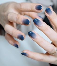 99 Admiring Nail Art Designs Ideas To Try In 2019 How to utilize nail polish? Nail polish on your friend's nails looks perfect, nevertheless you can't appl Gradient Nails, Holographic Nails, Stiletto Nails, Coffin Nails, Galaxy Nails, Solid Color Nails, Nail Colors, Manicure Colors, Short Nail Designs