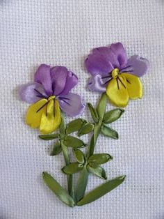 Pretty viola made from ribbons. Original website is in Russian.