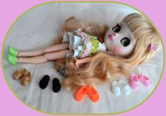 """6 pair shoe for 12"""" jointed Blythe doll."""