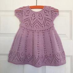 Pippa Dress Knitting pattern by Suzie Sparkles - Pippa Dress Knitting pattern by Suzie Sparkles - Baby Knitting Patterns, Christmas Knitting Patterns, Lace Patterns, Lace Knitting, Simple Knitting, Knitting Stitches, Dress Patterns, Knit Baby Dress, Baby Scarf