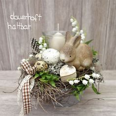 Our goal is to keep old friends, ex-classmates, neighbors and colleagues in touch. Easter Tree, Easter Wreaths, Easter Bunny, Diy Osterschmuck, Diy Easter Decorations, Diy Ostern, Deco Floral, Easter Celebration, Deco Table