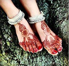 Gorgeous Feet Henna Stain #henna #mehndi