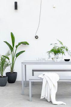 IDEOITA TERASSIN SISUSTUKSEEN | MUSTA OVI – Vuoden 2016 ja 2017 sisustusblogi Outdoor Spaces, Outdoor Living, Space Place, Balcony, Terrace, Pergola, New Homes, Patio, Dining