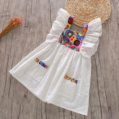 Baby Girl Dress Design, Girls Frock Design, Kids Frocks Design, Baby Frocks Designs, Baby Girl Frocks, Frocks For Girls, Little Girl Dresses, Girls Dresses Sewing, Kids Dress Wear