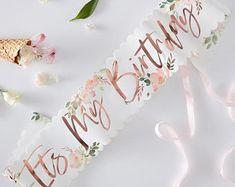 21st Birthday Sash, Birthday Roses, Glitter Birthday, Happy Birthday Parties, Happy Birthday Wishes, Birthday Month, Birthday Table, Birthday Ideas, Birthday Celebrations