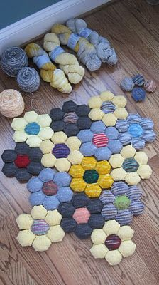 I have the pattern for hexipuffs ... this is a great way to lay them out!  Discoknits' hexipuffs