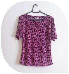 Blusinha rosa e preta estampada - Tamanho M. R$26.00