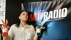 A w najbardziej rockowej stacji w Polsce czyli w Antyradiu też piją ORANŻADĘ PRL.