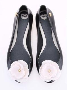 Mel - Černé plastové balerínky s květinou  Pop VIII - 1 Sweet, Eye Circles