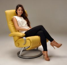Kiri Recliner Chair by Lafer Recliners is an Ergonomic Swivel Recliner and Lounge Chair. Modern Lafer Kiri Recliner Chairs by Lafer features backrest, headrest and footrest controls. Kiri Recliner by Lafer Swivel Recliners by Lafer Furniture. Modern Recliner, Swivel Recliner, Recliners, Leather Recliner Chair, Sleeper Sofas, Leather Sectional, Sectional Sofas, Dining Room Chair Cushions, Shopping