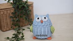 rattan owl Rattan Basket, Baskets, Crochet Home Decor, Planter Pots, Owl, Paper Crafts, Design, Bag, Trays