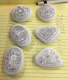 9 отметок «Нравится», 1 комментариев — MJM (@mamj92) в Instagram: «Art rocks. Hey, @earthwyrmm this looks like something you might like! #artrocks #colorin #rocks…»