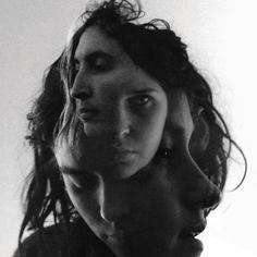 warpaint foto bewerking. zelfportretten. veelzijdigheid. laten bewegen met video. projecteren op object