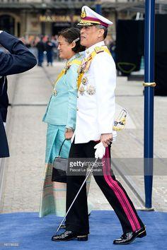 Prince Maha Vajiralongkorn and Princess Maha Chakri Sirindhorn of Thailand departs the Nieuwe Kerk to return to the Royal Palace after the Inauguration ceremony 30 Apr 2013 King Of Kings, My King, King Queen, Crown Prince Of Thailand, King Rama 10, King Thailand, Inauguration Ceremony, Royal Families Of Europe, Bhumibol Adulyadej