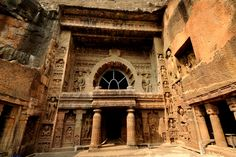 A History of Indian Art Through Five Masterpieces Part The Splendor of Ajanta Indian Rock Cut Architecture, Ancient Architecture, Art And Architecture, Beautiful Architecture, Ancient Indian Art, Ancient Greek, Ancient Art, Ajanta Caves, Archaeological Survey Of India