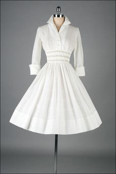 Vintage 1950s Dress White Cotton French Cuffs by millstreetvintage Mehr