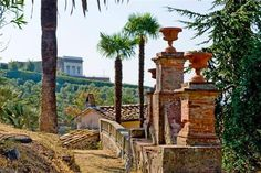 Park - Lucca Historic villa north hills. Tuscany property for sale. Real estate Italy. www.lucaevillas.it
