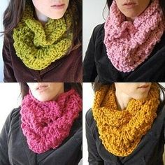 Chunky Lace cowl knitting pattern 1 skein Lion Brand Wool Ease Thick & Quick US 13 / 9.0 mm circular