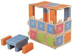 Briques en carton Wesco, construire une cabane