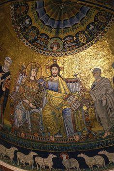La basilique Sainte-Marie-du-Trastevere est l'une des plus anciennes églises de Rome (685×1024)