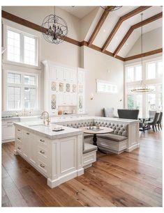 Booth Seating In Kitchen, Kitchen Booths, Kitchen Booth Table, Kitchen Nook Bench, Kitchen Built Ins, Home Decor Kitchen, Home Decor Bedroom, Kitchen Ideas, Diy Kitchen