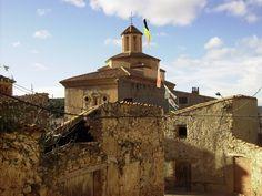Para hoy lunes os dejo una de las fotos antiguas de Crivillén que aparecen en Pueblos de Teruel