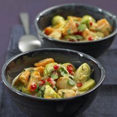 ESSEN & TRINKEN - Süßkartoffel-Curry mit Kokos und Erdnüssen Rezept