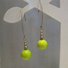 Boucles d'oreille pendantes fine et verte