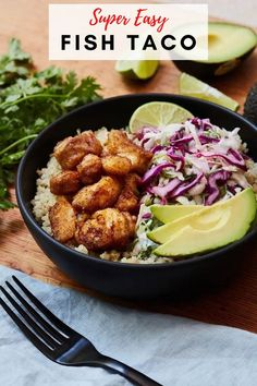 This incredibly flavorful fish taco bowl is the easy alternative to the classic fish tacos recipe. You are going to love this recipe for both quick weeknight dinners or small dinner parties. #healthyfishtacos #tacobowls #weeknightmeals Healthy Fish Tacos, Easy Fish Tacos, Quick Weeknight Dinners, Easy Meals, Mexican Food Recipes, Healthy Recipes, Fall Recipes, Summer Recipes, Healthy Meals
