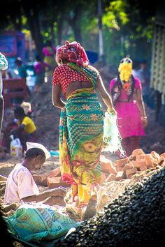Woman at Work, Mumbai, India by Francis Beaulieu