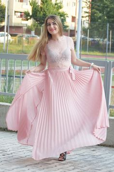 Pink Maxi, Girls Rules, Guess By Marciano, First Kiss, Maxi Skirts, Chiffon Skirt, Powder Pink, Rock, Pink Color