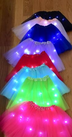 LED tutu's with 3 modes - Fiesta casera Glow Party Outfit, Neon Party Outfits, Glow In Dark Party, Glow Stick Party, Neon Birthday, 13th Birthday Parties, 16th Birthday, Blacklight Party, Skate Party