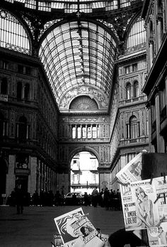 Italian Vintage Photographs ~ Napoli - La Galleria 1977