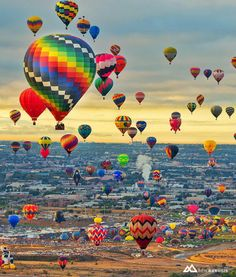 """Albuquerque International Balloon Fiesta - New Mexico ✨❤️✨ Picture by ✨✨@BenBabusis✨✨ Good morning world """