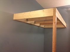 Diy Hanging Loft Bed This innovative diy bed design … Build A Loft Bed, Loft Bed Plans, Murphy Bed Plans, Bunk Beds Small Room, Bunk Beds With Stairs, Kids Bunk Beds, Bed Rooms, Loft Bunk Beds, Loft Bed Frame